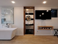 Private Pool Room5